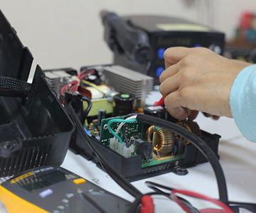 Фото обслуживания зарядных устройств